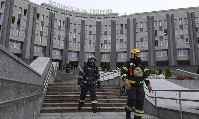 Cháy lớn tại bệnh viện dã chiến chống COVID-19 ở Nga