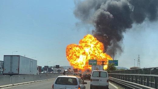 Nổ xe bồn chở dầu làm 2 người thiệt mạng và ít nhất 100 người bị thương tại Italy
