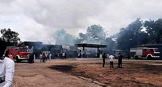 Nigeria: Nổ xe bồn chở xăng, ít nhất 35 người thiệt mạng và 100 người bị thương