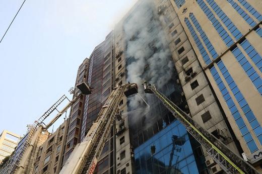 Bangladesh: Cháy nhà cao tầng, nhiều người nhảy xuống đất tử vong