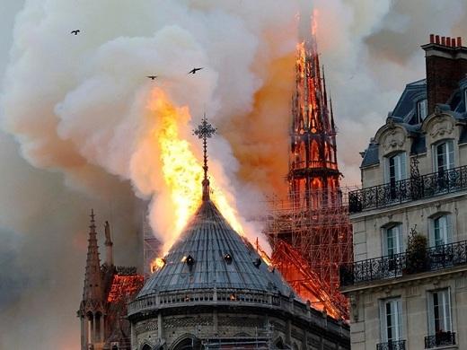 Cháy nhà thờ Đức Bà, cả thế giới bàng hoàng